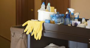 Chariot pour le nettoyage des chambres d'hôtels